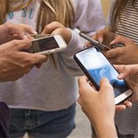 رسانه های اجتماعی  وتاثیر آن بر نوجوانان